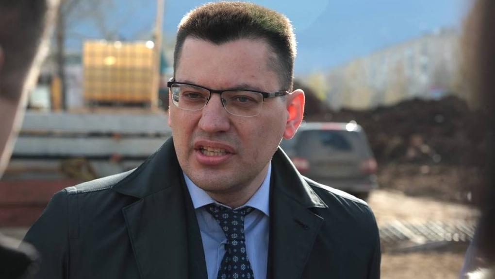 Вот это новость! Министр ЖКХ задолжал за коммуналку более семисот тысяч!