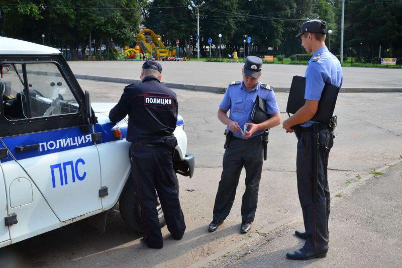 В Петербурге подозревают в получении взятки экс-замначальника отдела патрульно-постовой службы
