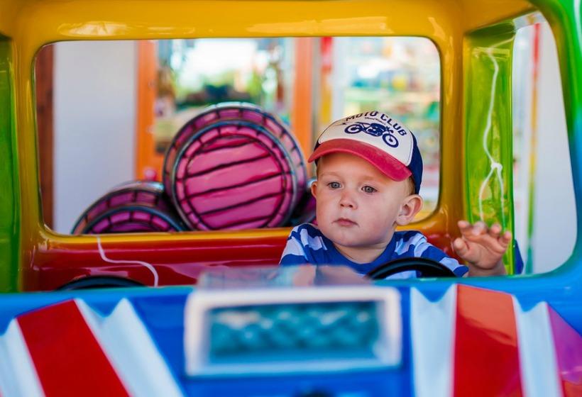 Непристёгнутый в машине ребёнок обходится в три раза дороже, чем взрослый