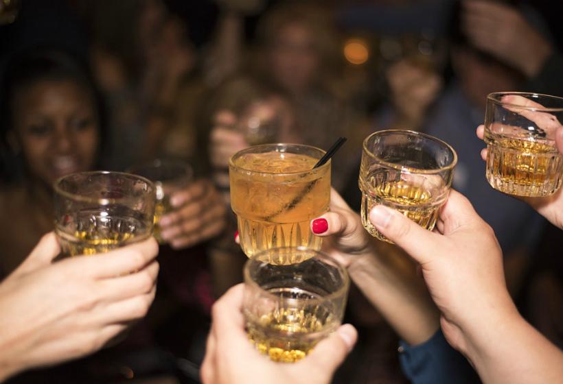 Россиянам рассказали о последствиях «алкоголизма выходного дня»