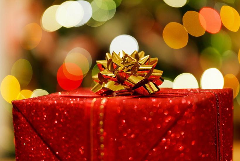 Названа стоимость подарков к 23 февраля