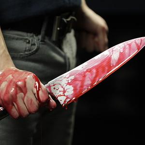 Мужчина, если его можно так назвать, в Челябинске ранил двоих подростков, одного смертельно