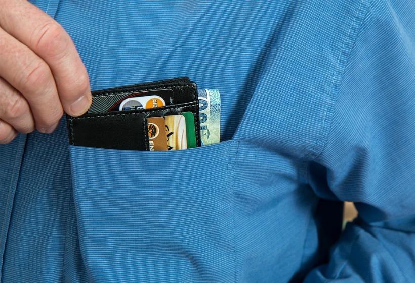 Правила, которые важно соблюдать при выборе кредитной карты и дебетовой карты