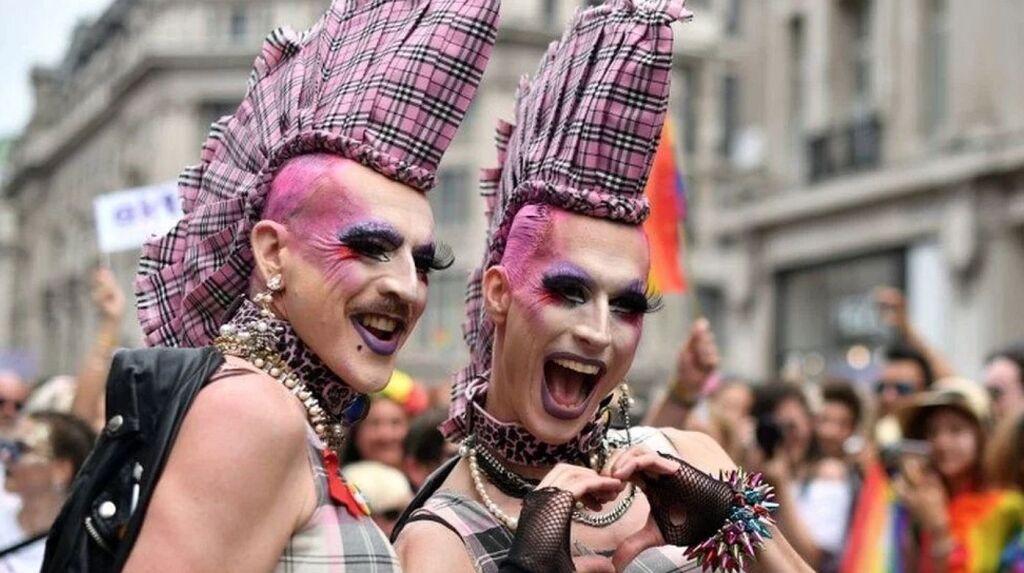 Триумф извращенцев: в Швейцарии будут сажать в тюрьму за «гомофобию» ! В первую очередь - христиан