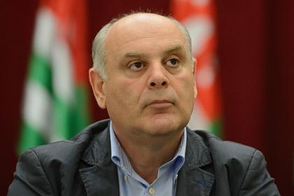 Лидер оппозиции Абхазии снова попал в больницу перед выборами