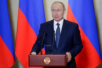 Путин отказался считать себя царем