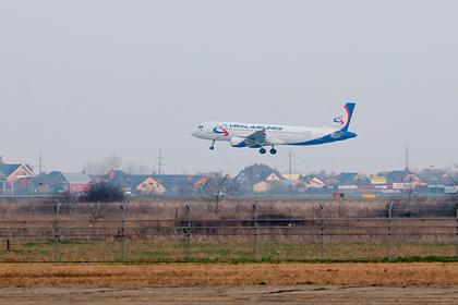 Российская авиакомпания перестала кормить пассажиров из-за коронавируса