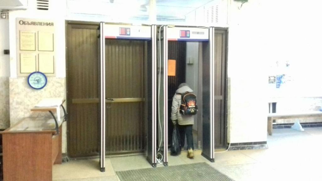 Установка рамок металл детекторов