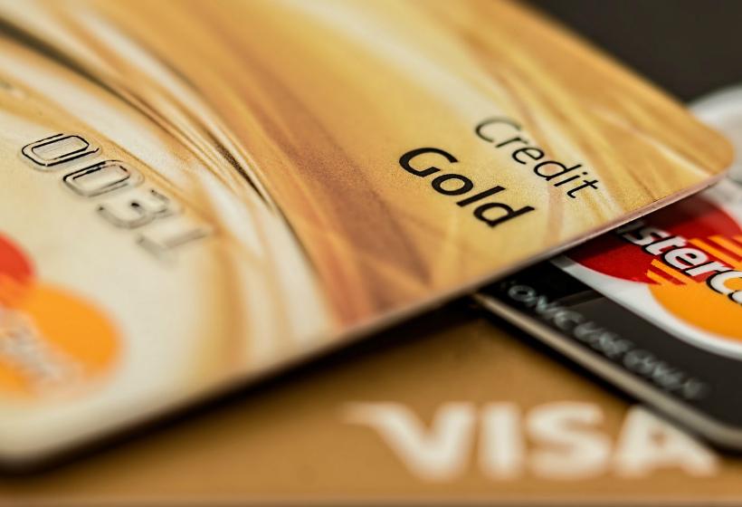 Чем опасны переводы между банковскими картами. Часть 1