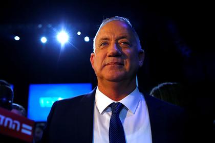 Главный противник Нетаньяху получил власть