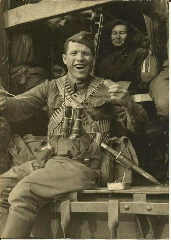 Терминатор из Красной Армии Митька Овчаренко(памяти Победителей ко Дню Победы)
