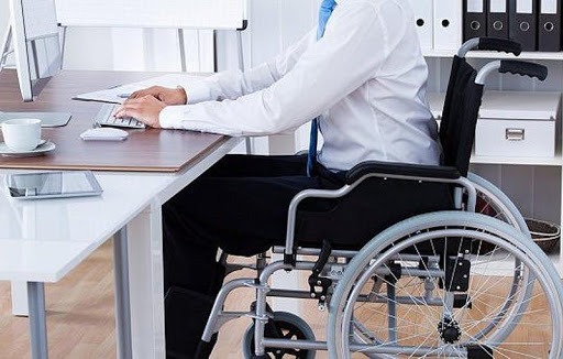Упрощенный порядок установления инвалидности продлен до марта 2021 года .  Минтруд предлагает сделать трудоустройство инвалидов обязанностью работодателя...
